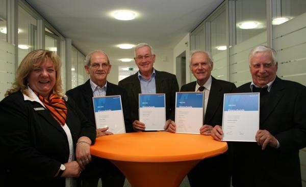 Auszeichnungen für 50 Jahre treue Mitgliedschaft.
